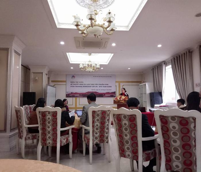 Cán bộ Ban quản lý di tích TBT Hà Huy Tập tham gia Khóa tập huấn thuyết minh du lịch theo tiêu chuẩn VTOS